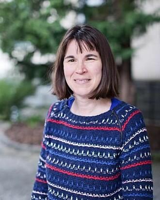 Professor Rebecca Jane Cox Brokstad leder Influensasenteret som er et samarbeid mellom Universitetet i Bergen, Haukeland Universitetssykehus og Helsedepartementet.