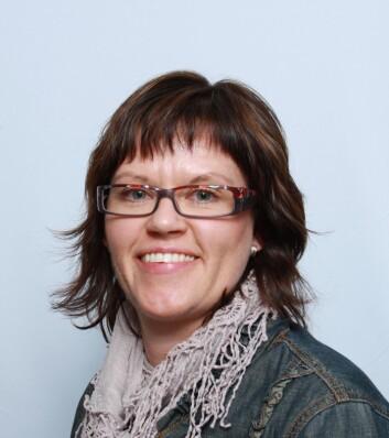 Laboratorieleder Josefine Skaret forteller at smakspanelet bare brukes til objektive undersøkelser. (Foto: Nofima)