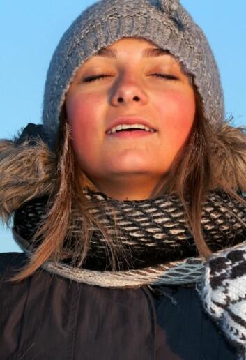 Om vinteren er det vanskelig for nordboere å få nok sollys på huden. Det slår særlig negativt ut for de gravide, som trenger vitaminet mest. (Foto: Colourbox)
