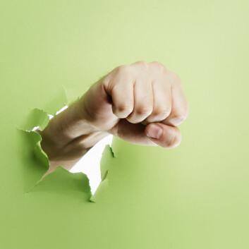 Å knytte hånden gir beskyttelse, samtidig som det blir en klubbe. (Illustrasjonsfoto: Colourbox)