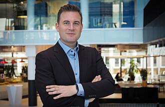 Senterleder for Media Futures, Christoph Trattner, lanserer no labben DARS som skal gjere kunstig intelligens enda meir intelligent.