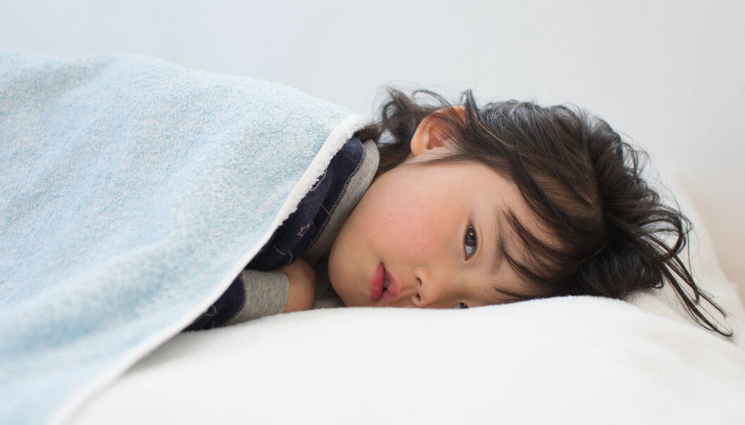 Det er veldig få barn som er blitt syke av korona-viruset, sier forskere.