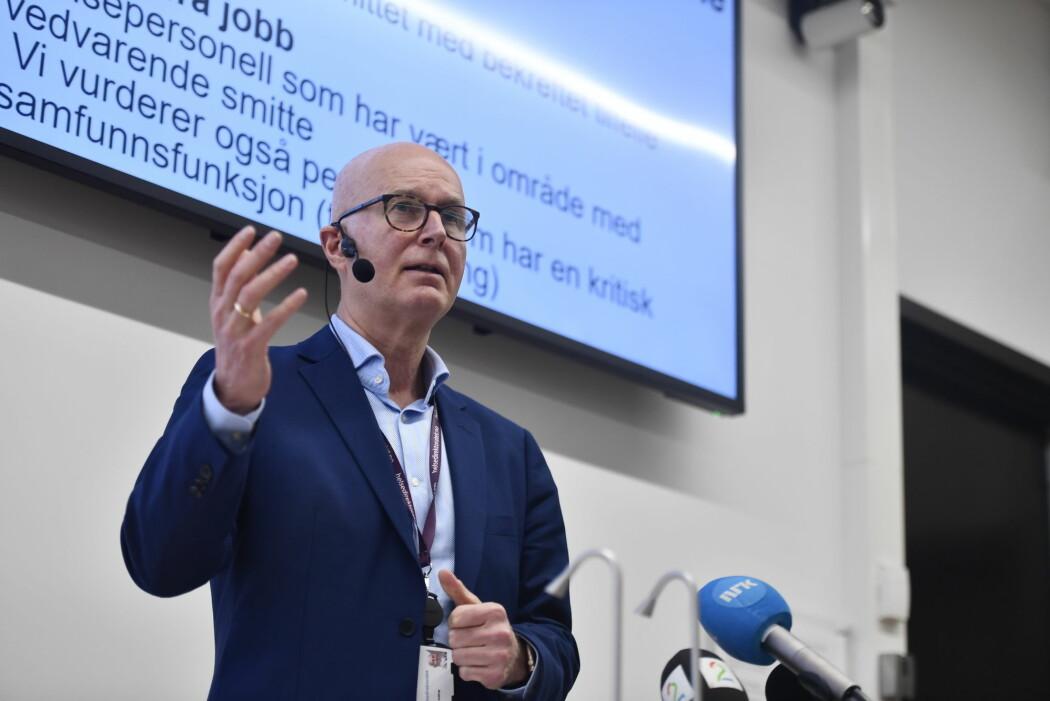 Helsedirektør Bjørn Guldvog informerer om koronasituasjonen tirsdag. Helsedirektoratet har daglig presse brifing om korona virus-situasjonen.