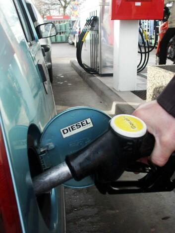 Studien fra NILU og NAAF viser at hvis trenden med en høy andel nye dieselbiler fortsetter, vil NO2 -bidraget fra personbiler øke fremover, ikke minke som tidligere antatt. (Foto: www.colourbox.com)