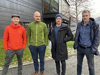 Arkitektar og forskarar har samarbeidd i prosjektet Framtidas Hyttegrend. Frå venstre: Tarjei Kannelønning (Stiv Kuling), Torkjel Solbraa (Vestlandsforsking), Eyvind Øgar (Stiv Kuling) og Hans Jakob Walnum (Vestlandsforsking).