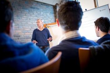 – Folk som har klart å kombinere toppidrett og høgare utdanning har eigenskapar som ikkje alle andre har, seier Bård Benum leiar styringsgruppa i Team NTNU. (Foto: Ole Morten Melgård)