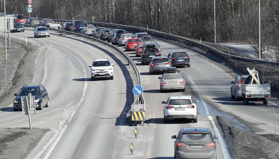 Har du bil i garasjen er det sannsynlig at den er ditt transportmiddel nummer én, viser svensk studie.