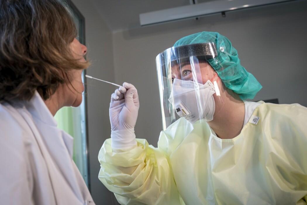 Stemmer det at koronaviruset har mutert til en mer aggressiv versjon?