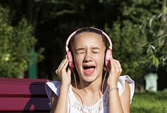 Hvorfor synger noen så falskt?