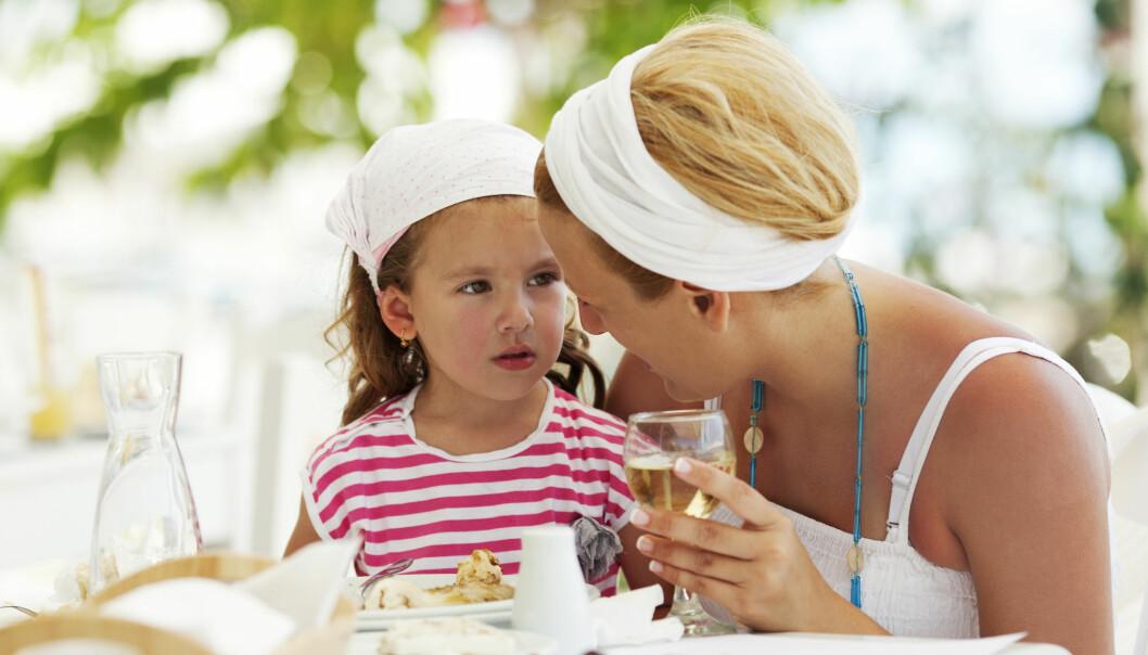 Bare tre-fire glass på en ukedag i uka var nok til at risikoen for adferdaproblemer hos barna økte.