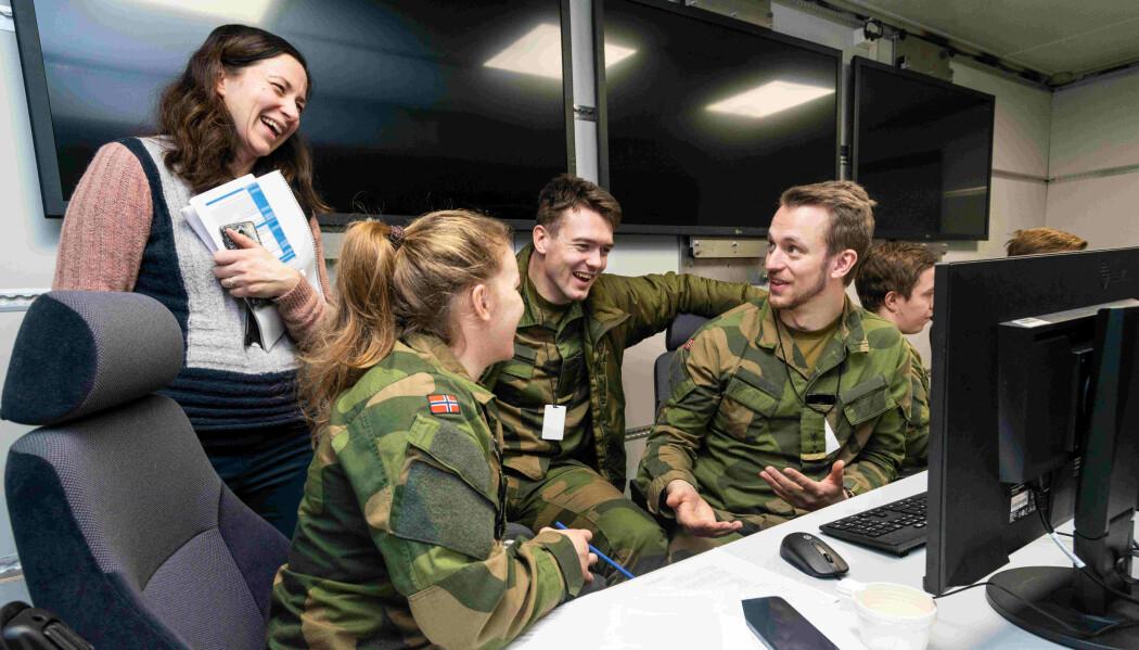 Krigsskole-studenter fikk øve seg på strategi i testutgaven av SWAP, et digitalt verktøy som visualiserer beslutninger i et krigsspill på skjerm.