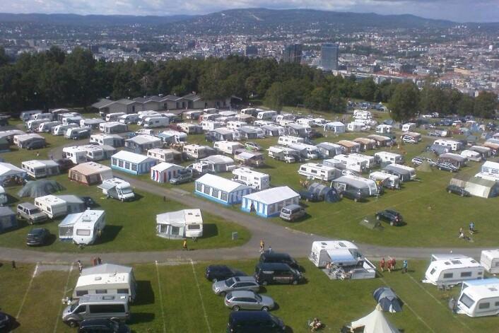 Camping i byen, på Ekerbergsletta i Oslo. (Foto: Nsaa/Wikimedia Commons)
