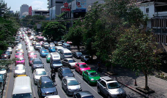 Bangkok er beryktet for sine trafikkorker. Trafikkork øker forurensingen i byer dramatisk. (Foto: Wikimedia Commons)