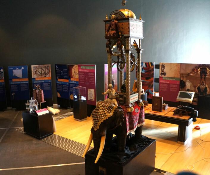 Al-Jazaris elefantklokke i det nye, store utstillingslokalet til Norsk teknisk museum. (Foto: Arnfinn Christensen, forskning.no.)