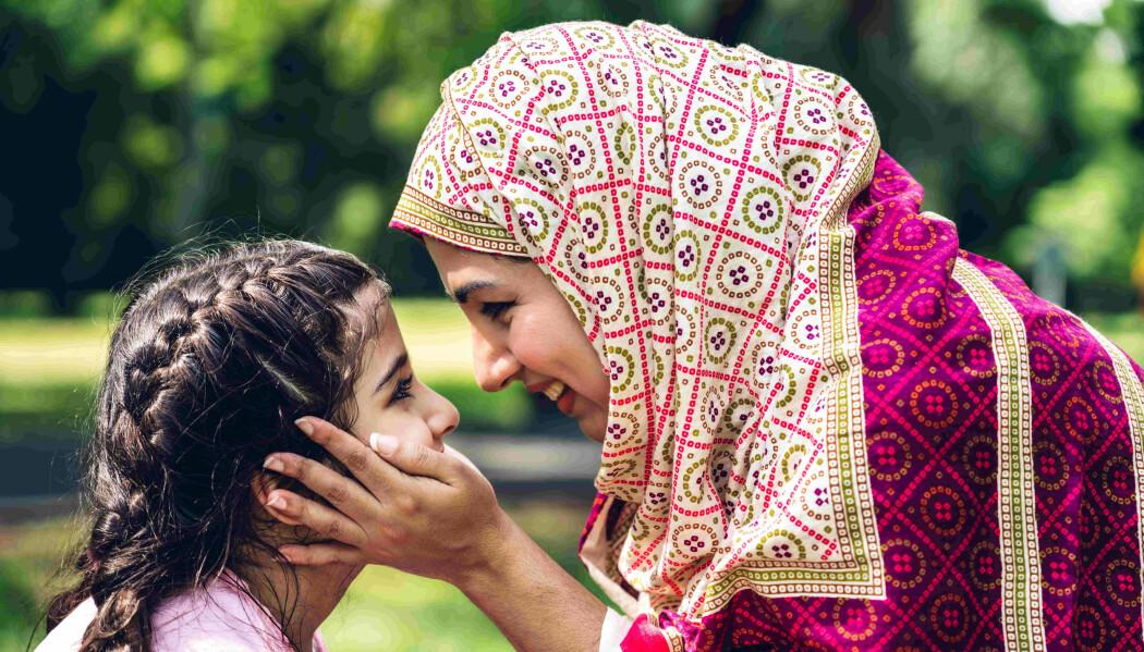 Foreldreskap i eksil: Å finne ut av rolla som foreldre i ein ny kultur er utfordrande for flyktningar, viser ein studie.