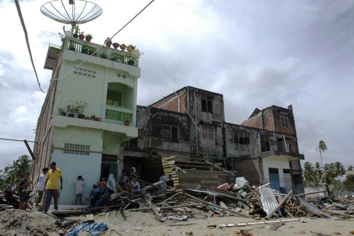 Jordskjelv gir store ødeleggelser. Dette bilde er tatt på Sumatra i 2005. (Foto: Wikipedia Commons)
