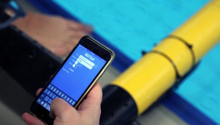 Med en app på mobilen kan forskerne kommunisere med undervannsglideren.