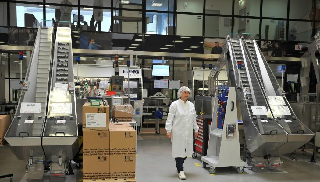 Bildet er fra insulinproduksjonen til det danske firmaet Novo Nordisk, i Chartres i Frankrike. Både Danmark og Sverige har farmasøytisk industri. Og det bør vi ha i Norge også - en statlig sådan, mener professor Mette Kalager.