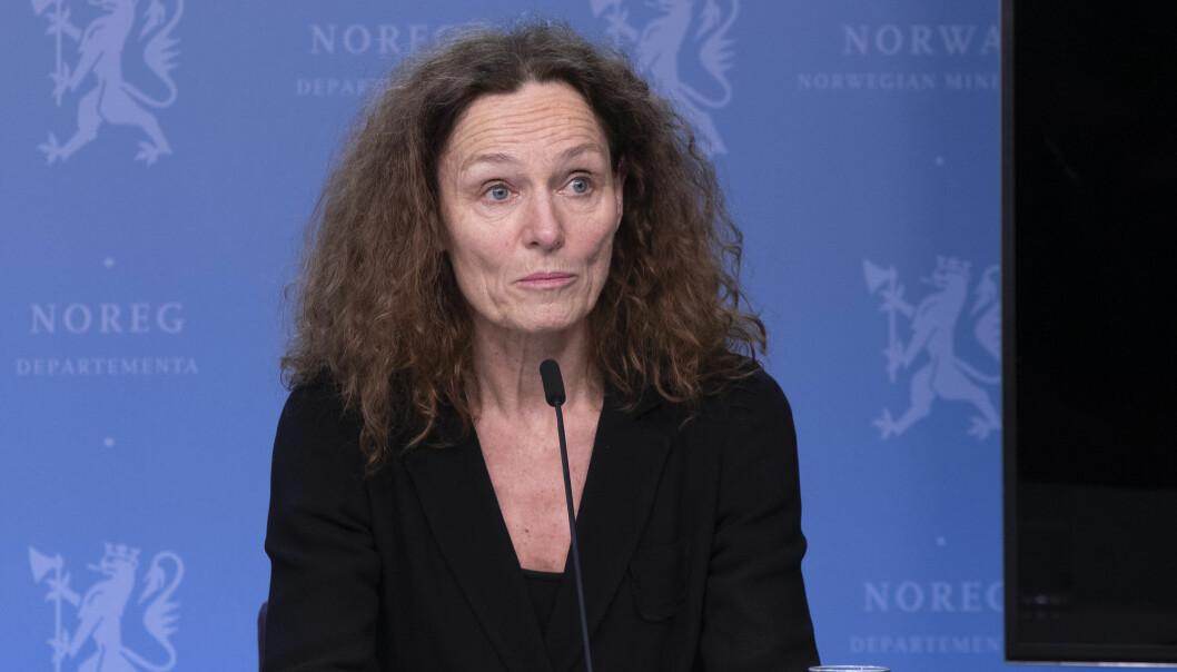 Direktør Camilla Stoltenberg i Folkehelseinstituttet under en pressekonferanse i Helsedepartementet onsdag.