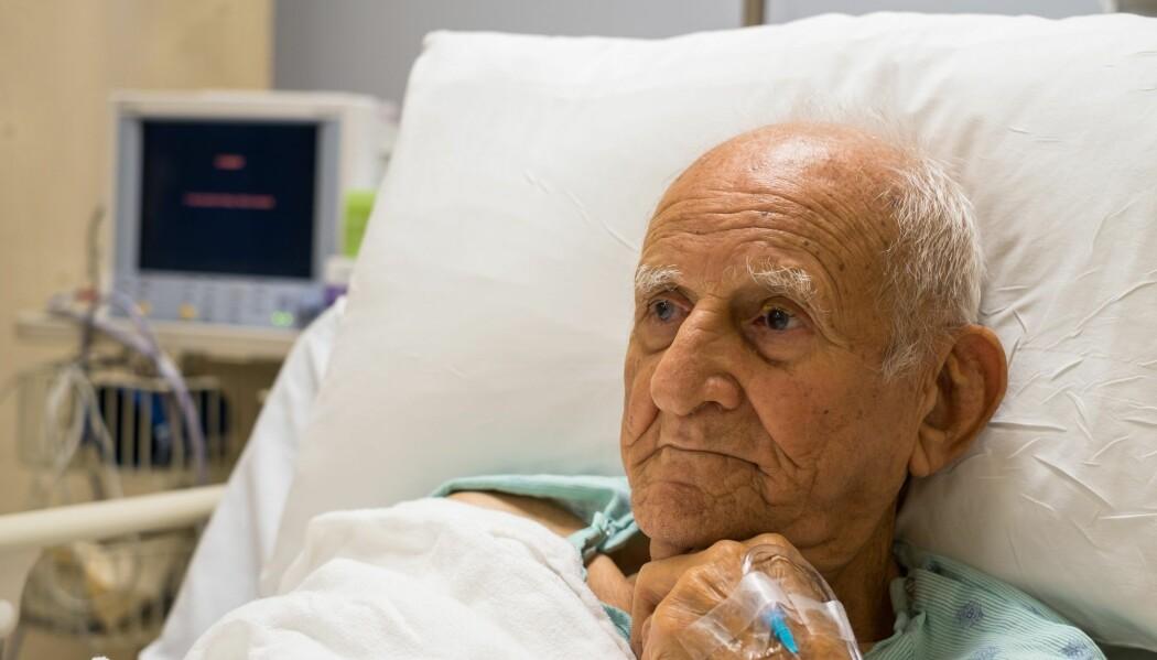 De som er over 80 år har mest risiko for å bli alvorlig syke av koronaviruset. Men de fleste eldre klarer seg godt gjennom sykdommen.