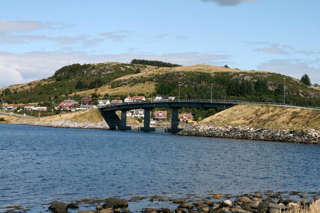 Folketallet på øyene Mosterøy og Sokn i Rogaland økte etter at Askjesundet bru ble åpnet i 1991.