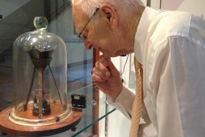 Professor John Mainstone er for tiden ansvarlig for dråpetellinga. (Foto: University of Queensland)