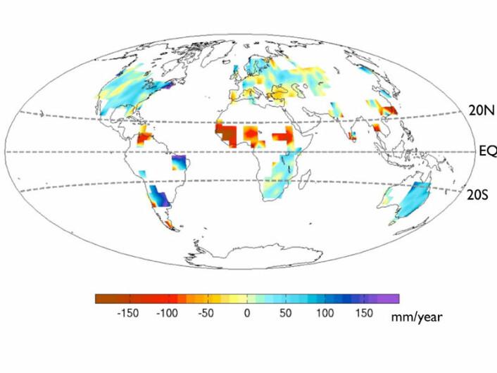 Røde områder er deler av verden med kraftig reduksjon i nedbør i perioden 1961-1980 sammenlignet med 1931-1950. Blå områder opplevde økt nedbør. Vi ser at Sahel sentralt i Afrika ble mye tørrere, mens Øst-Afrika og Brasil fikk mer regn. (Foto: (Illustrasjon: UW/Y.-T. Hwang))