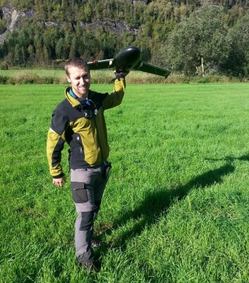 Med data fra droneflyvingene lager Marek Pierzchala en terrengmodell av området i Voss. (Foto: Tor Peder Lohne/Skog og landskap)