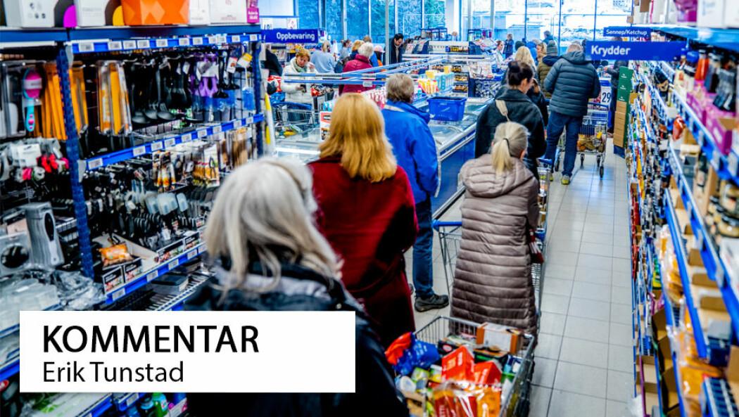 I de siste dagene har folk kjøpt inn store mengder mat. Selv om både statsministeren og butikkene sier at hamstring er unødvendig.