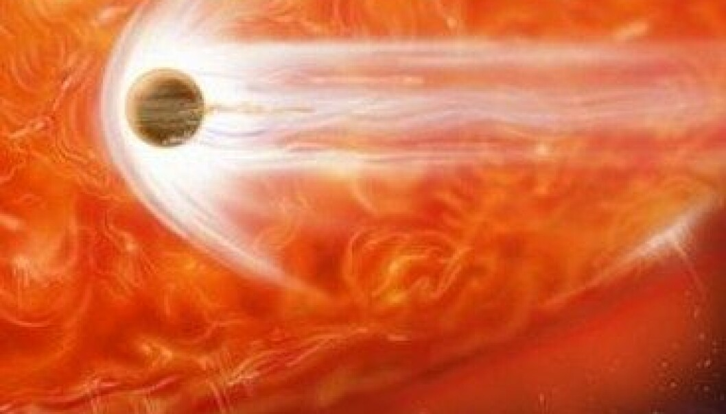 Astronomer har lenge visst at eldgamle stjerner kan utvide seg såpass mye at de sluker nærliggende planeter. Nå har astronomer funnet første bevis for at dette har skjedd. Her har en kunstner sett for seg hendelsen. (Illustrasjon: NASA)