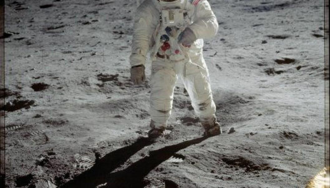"""Astronaut Edwin E. """"Buzz"""" Aldrin, spaserer på månen nær foten til månemodulen """"Eagle"""" i juli 1969. Astronaut Neil A. Armstrong har tatt bildet. Neil A. Armstrong/NASA"""