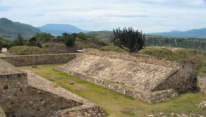 En annen bane, ved Yagul i Sør-Mexico. Denne banen stammer sannsynligvis fra 1250 til 1521.