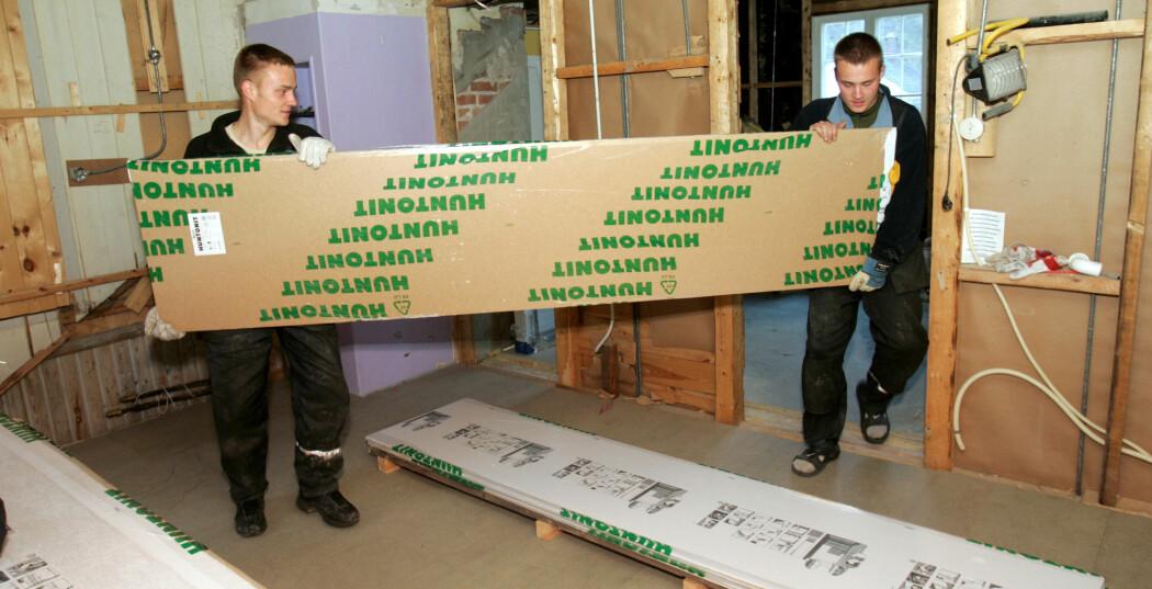 Mange har brukt arbeidskraft fra Øst-Europa til å pusse opp huset. Bildet er fra 2004.