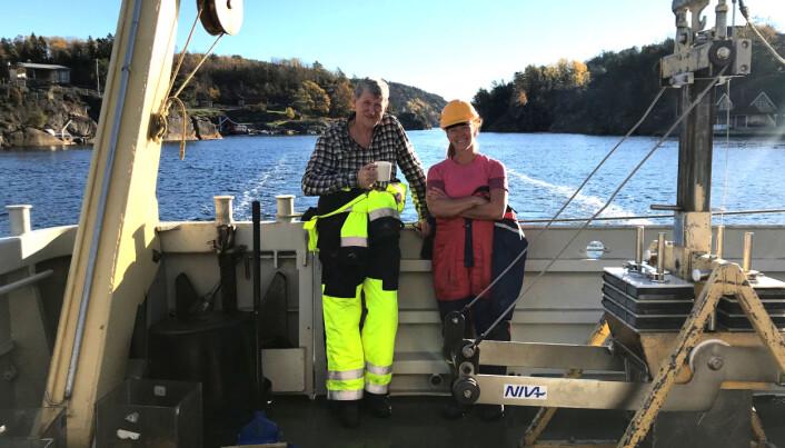 NIVA-forskerne Morten Schaanning og Marianne Olsen på feltarbeid i Grenlandsfjordene i 2018.