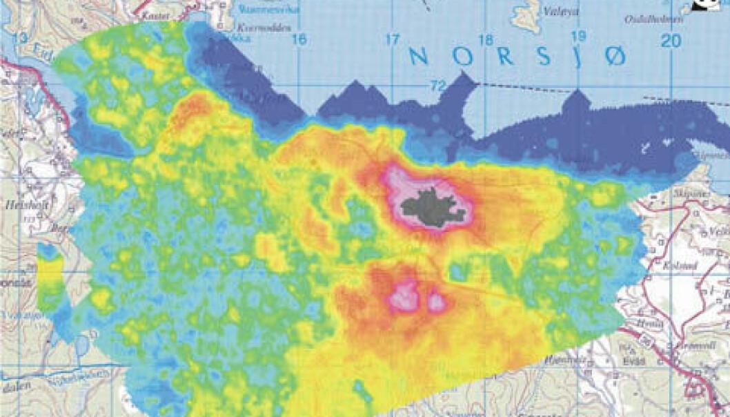 """""""Kartet viser den radioaktive strålingen av thorium i Fensfeltet. Rødt og rosa markerer høyest stråling, blått lavest."""""""