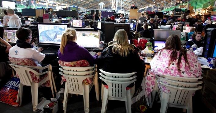 Kvinner i alderen 18 år og oppover utgjer 36 prosent av folk som speler aktivt. (Foto: Gorm Kallestad / Scanpix)