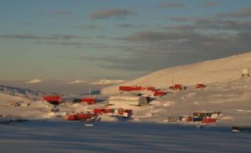"""""""Troll forskningsstasjon etter snøfall. (Foto: Norsk Polarinstitutt)"""""""