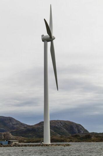 3 MW vindturbin på Valsneset testsenter på Ørlandet er blant de største kommersielle vindturbiner i verden. Vindturbinen er utviklet av Blaaster Wind Technologies. (Foto: Blaaster Wind Technologies)