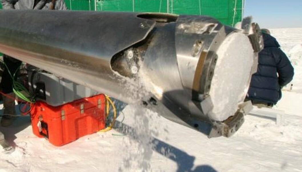 Iskjerneboring i Antarktis i forbindelse med Polarårprosjektet TASTE-IDEA. Stein Tronstad/ Norsk Polarinstitutt