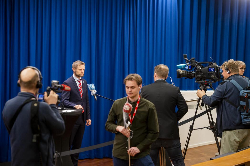 Koronaviruset ligger an til å bli den mest omtalte enkelthendelsen i norske medier noensinne. Her fra helse- og omsorgsminister Bent Høies (H) daglige pressekonferansen om håndteringen av koronasituasjonen.