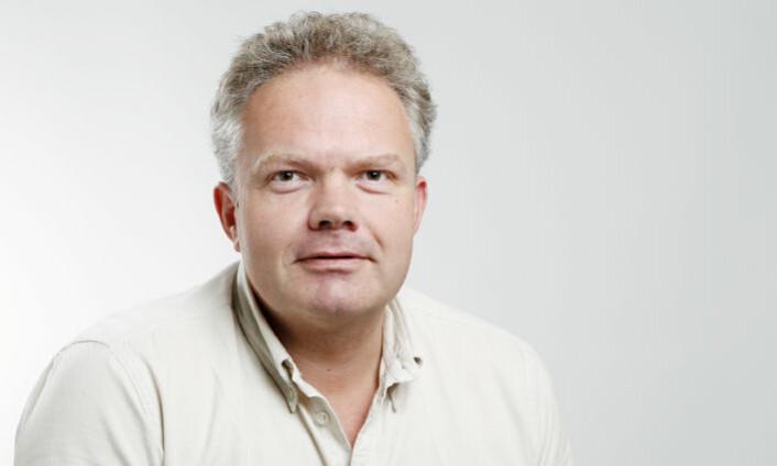 – Finner vi indikatorene som gir et riktig bilde av den «totale» dyrevelferden, kan vi få til en effektiv og bedre overvåkning av alle slaktekyllingflokker i Norge, sier fagdirektør Ola Nafstad i Animalia. (Foto: Animalia)