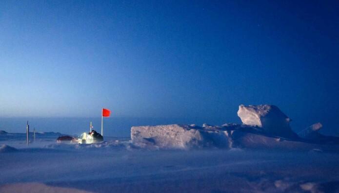Bitende kulde ned mot minus 55 grader fikk Dmitry Divine erfare under det fire måneder lange oppholdet i isødet.