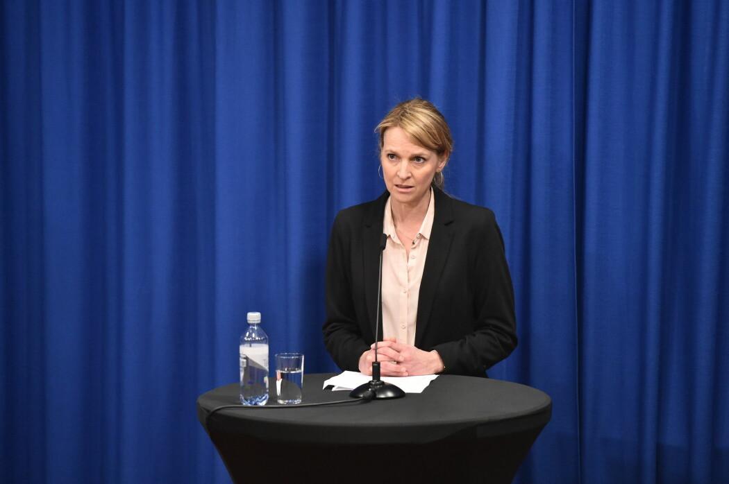 Avdelingsdirektør Line Vold ved Folkehelseinstituttet (FHI) under den daglige pressekonferansen om koronasituasjonen i Norge.