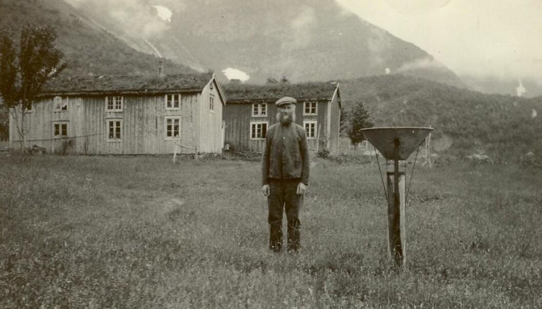 Ludvig Nilsen Vatne i Vassvatnet i Lurøy begynte å observere vær for Meteorologisk institutt allerede i 1922. Jobben har gått i arv. Nå har fjerde generasjon overtatt. Privat