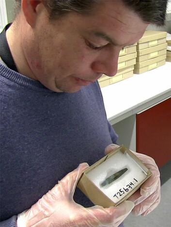 Forsker Martin Callanan samarbeider med jegere fra steinalderen. (Foto: Per Byhring)
