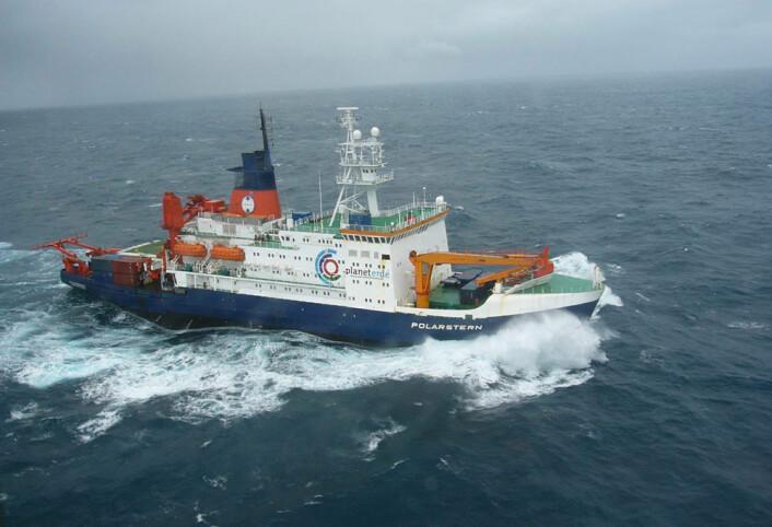Forskningsskipet POLARSTERN ble brukt i prosjektet. Dette bildet er tatt i september 2004. (Foto: Alfred Wegener Institute)