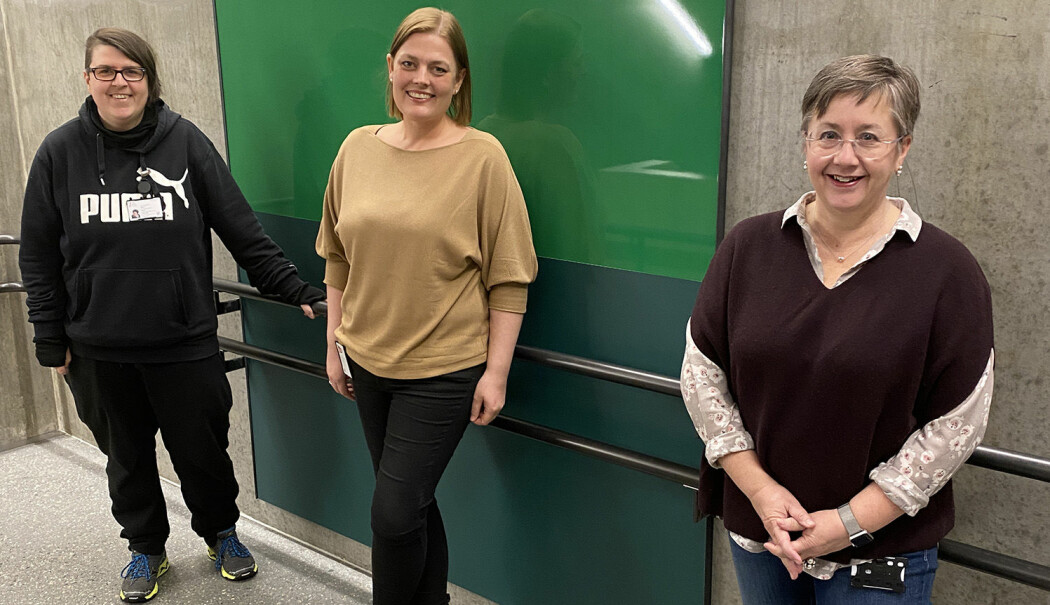 Forskere ved RKBU Nord er i gang med å utvide spørreundersøkelsen til å omfatte flere unge. Fra venstre: Postdoktor Sabine Kaiser, førsteamanuensis Henriette Kyrrestad og professor Monica Martinussen.