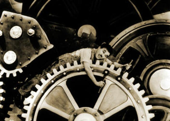 Charlie Chaplin som landstrykeren og fabrikkarbeideren i Modern Times. (Foto: Wikimedia Commons)