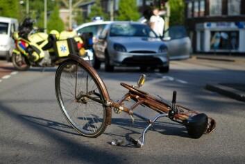 Sårbare trafikanter har høyere ulykkesrisiko enn bilister. Men kan det stemme at flere syklister på veiene faktisk fører til færre ulykker? (Foto: Shutterstock)