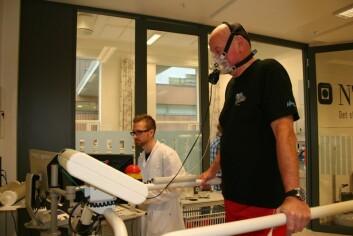 72 år gamle Sverre Kirksæther er pensjonert politimester i Uttrøndelag, og sprek i utgangspunktet. – Jeg vil heller falle om på en joggetur i Bymarka enn å dø etter å ha ligget i en sykeseng i 4–5 år, sier han. (Foto: Nancy Bazilchuk)